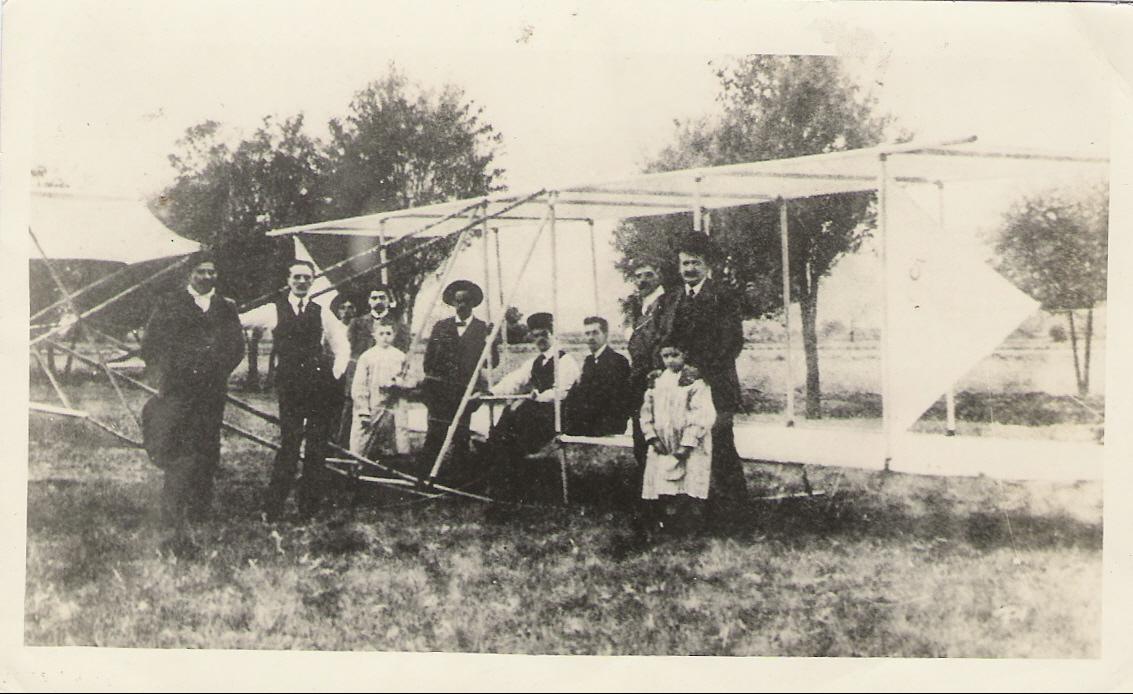 1. Planeador similar al que construyó el Dr. Montalvo en 191