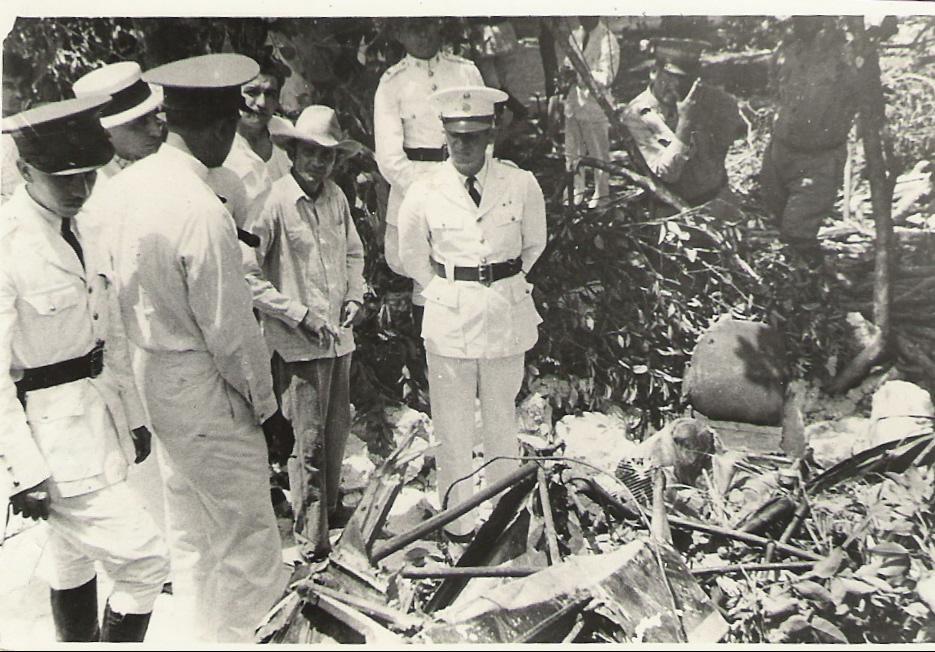 12. El General Chazado Pérez en el lugar del accidente de Ga